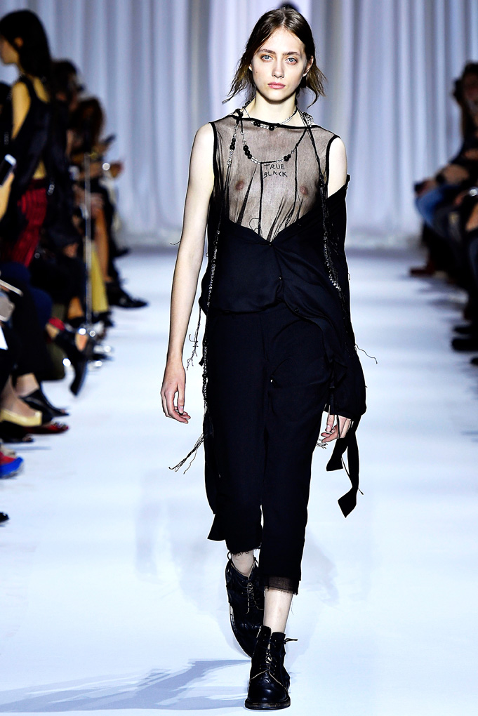 Ann Demeulemeester Paris RTW  Spring Summer 2017 September 2016