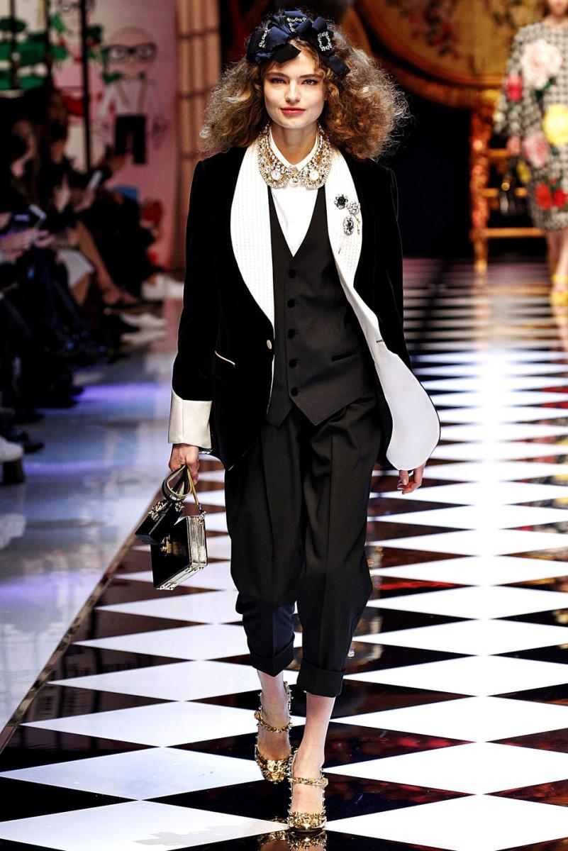 Dolce Gabbana Milan RTW Fall Winter 2016 February 2016