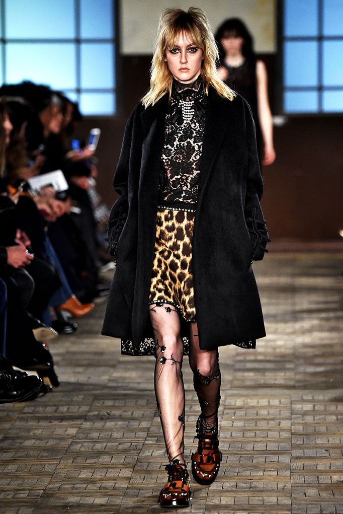 N21 Milan RTW Fall Winter 2016 February 2016