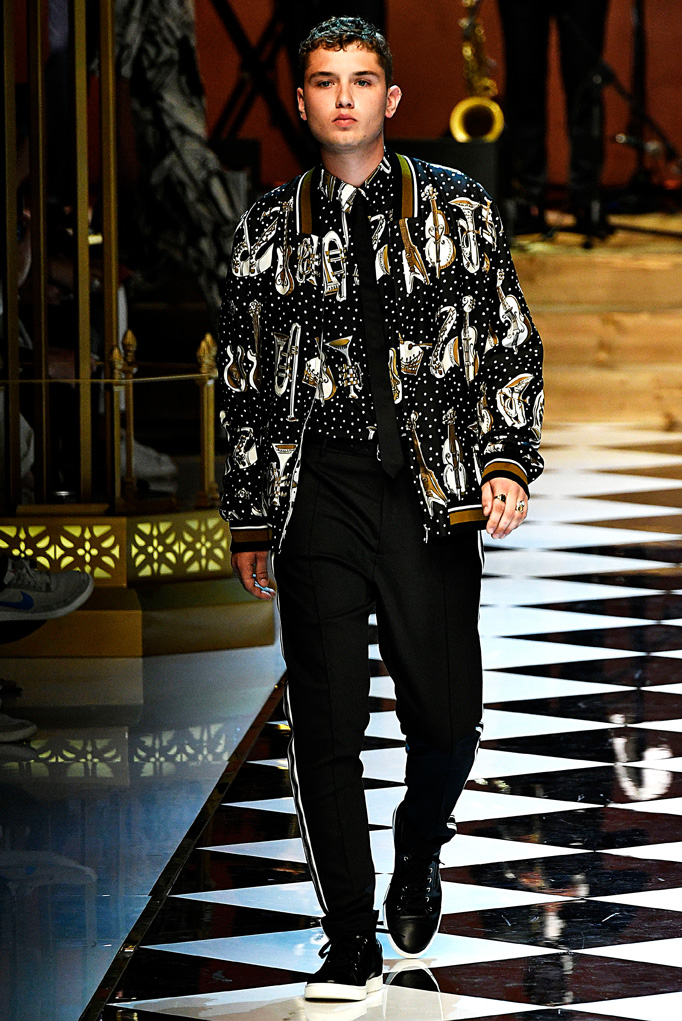 Dolce Gabbana Milan Menswear Spring Summer 2017 June 2016