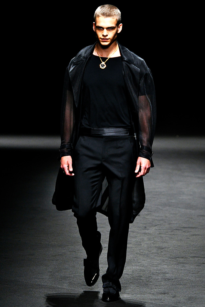 Versace Milan Menswear Spring Summer 2017