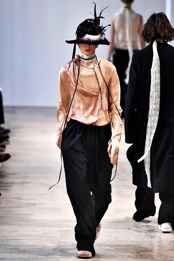 Ann Demeulemeester Paris Menswear Fall Winter 2017 January 2017