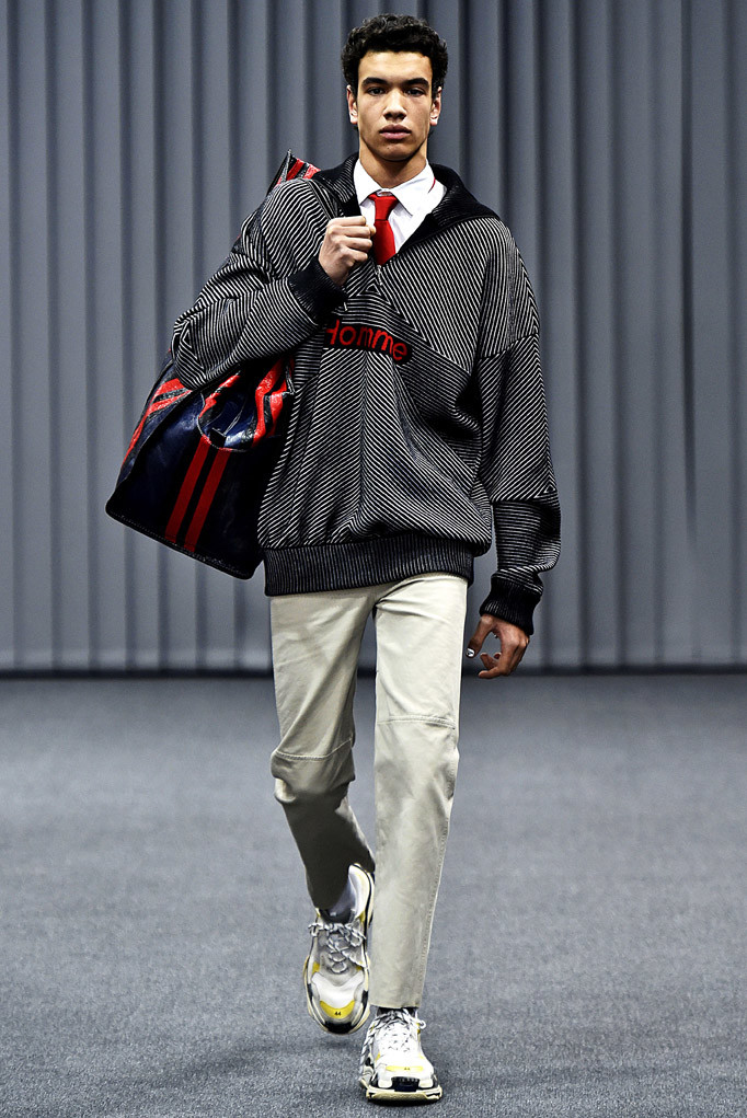 Balenciaga Paris Menswear Fall Winter 2017 - January 2017