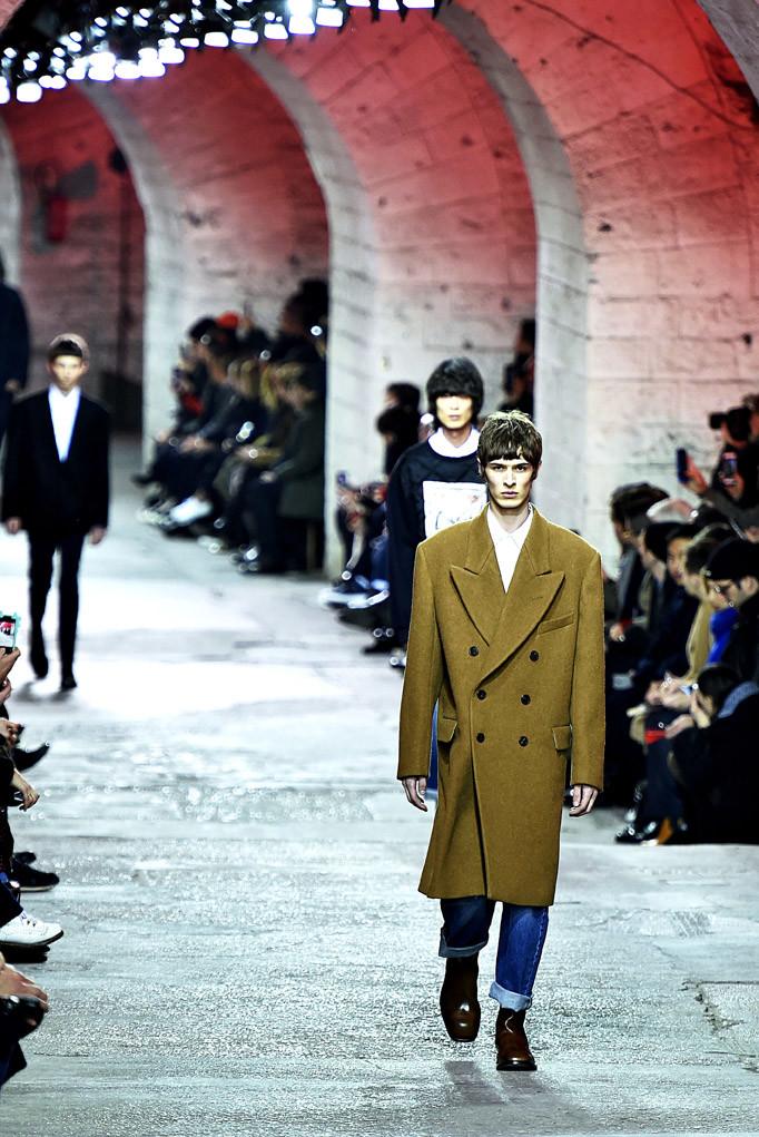Dries Van Noten Paris Menswear Fall Winter 2017 - January 2017