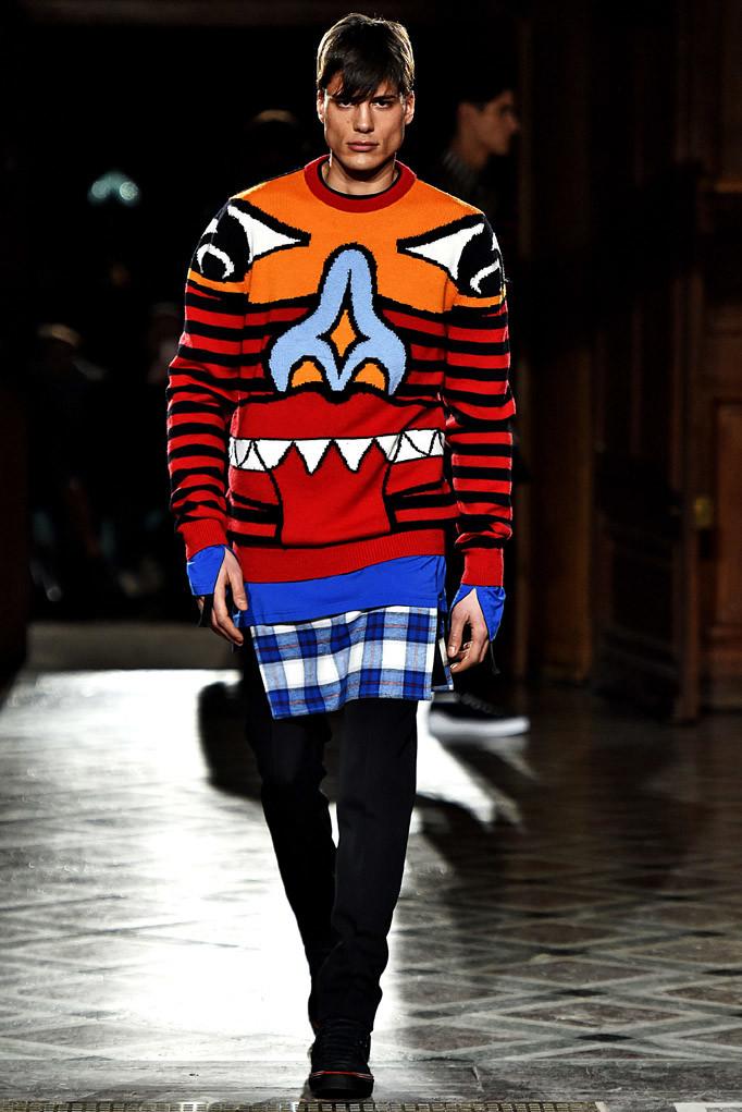 Givenchy Paris Menswear Fall Winter 2017 - January 2017
