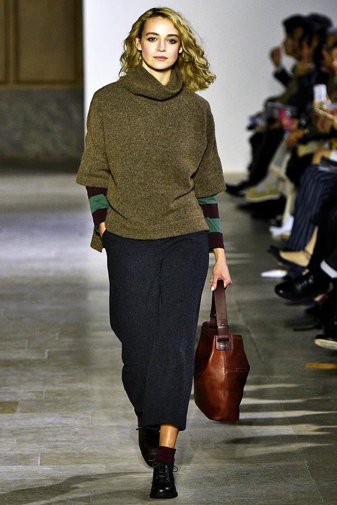 Agnes B Paris Womenswear Fall Winter 2017 Paris March 2017