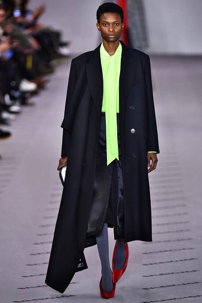Balenciaga Paris Womenswear Fall Winter 2017  Paris March 2017