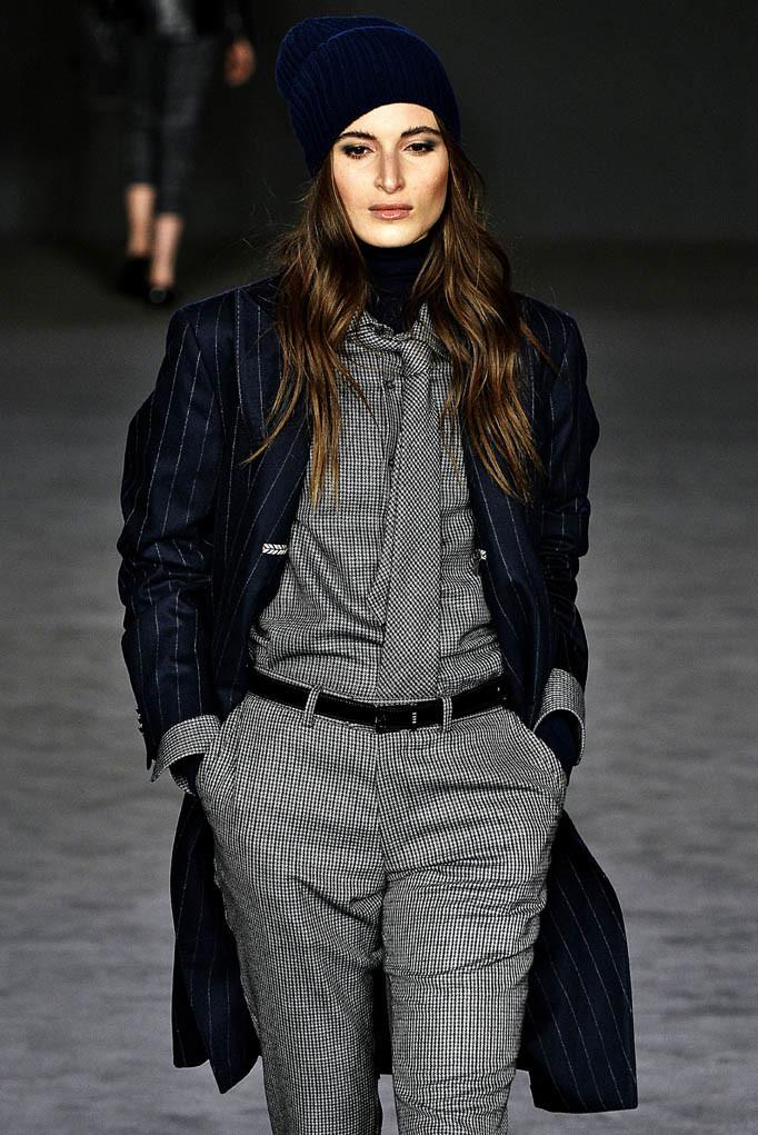 Daks London Womenswear Fall Winter 17 London February 2017