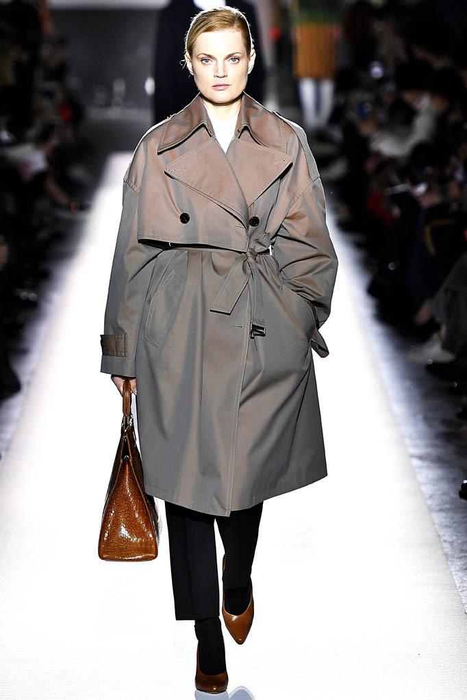Dries Van Noten Paris Womenswear Fall Winter 2017  Paris March 2017