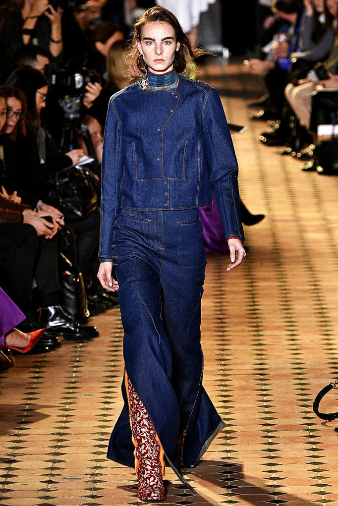 Esteban Cortazar Paris Womenswear Fall Winter 2017  Paris March 2017