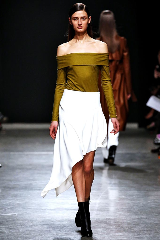 Guy Laroche Paris Womenswear Fall Winter 2017 Paris March 2017