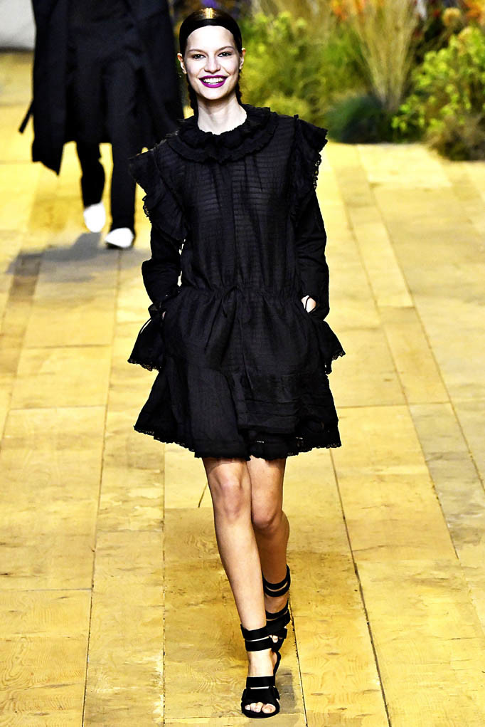 HM Paris Womenswear Fall Winter 2017 Paris March 2017