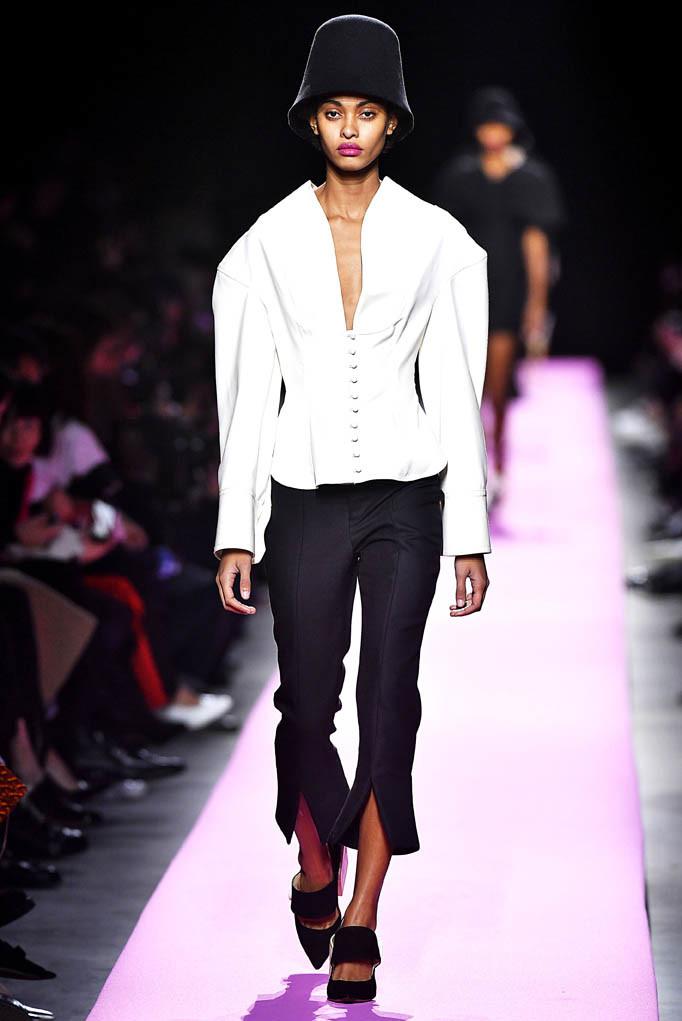 Jacquemus Paris Womenswear Fall Winter 2017 Paris March 2017