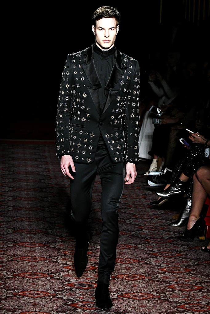 Julien McDonald London Womenswear Fall Winter 17 London February 2017