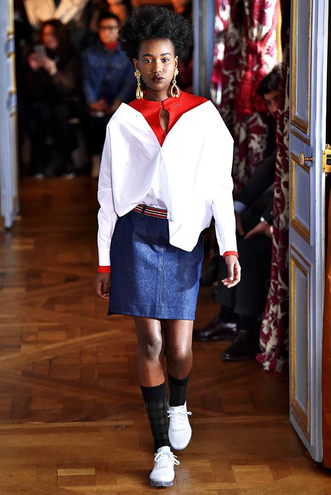 Jour Ne Paris Womenswear Fall Winter 2017  Paris March 2017