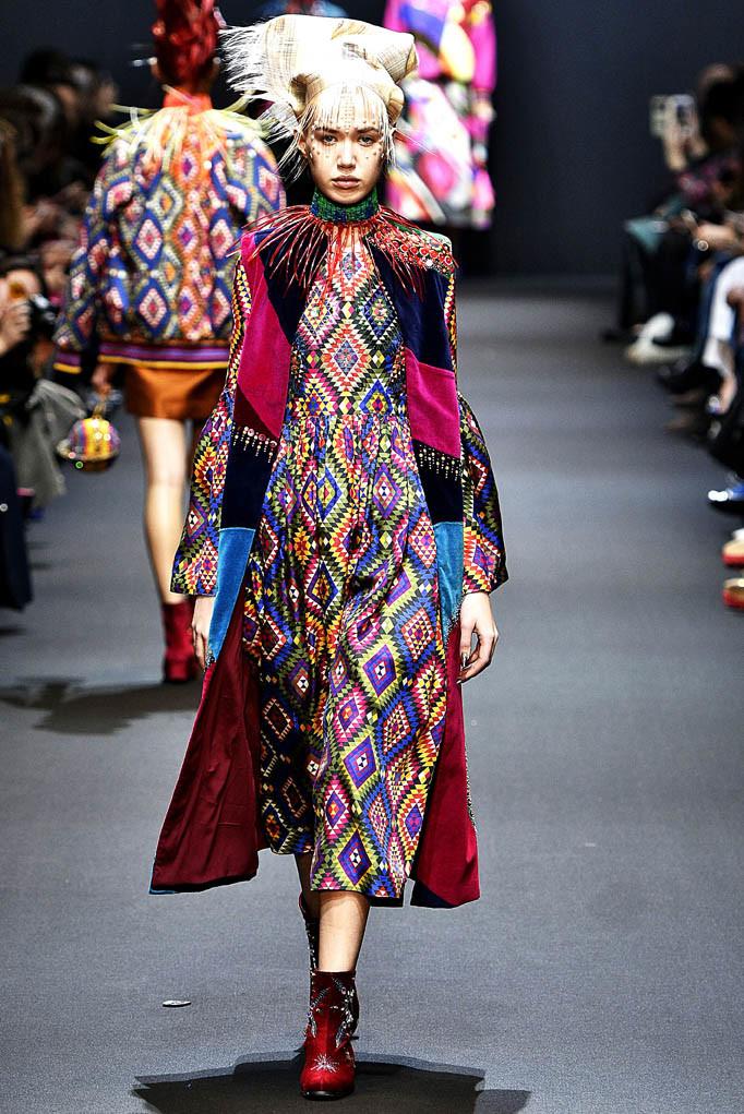 Manish Arora Paris Womenswear Fall Winter 2017  Paris March 2017