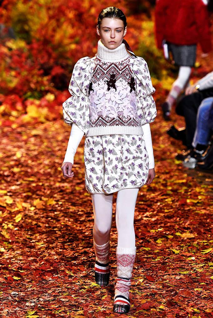 Moncler Gamme Rouge Paris Womenswear Fall Winter 2017  Paris March 2017