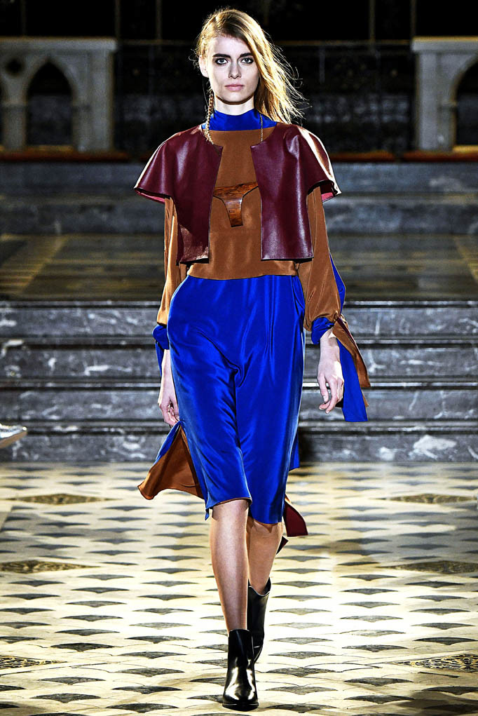 Nobi Talai Paris Womenswear Fall Winter 2017 Paris March 2017