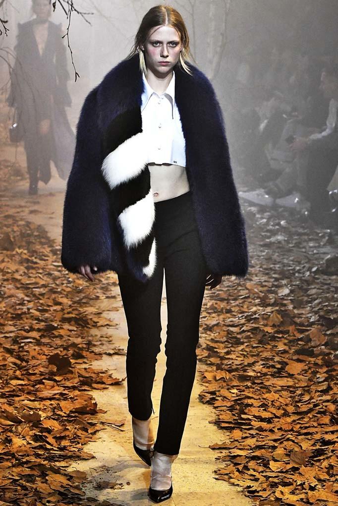 Off White Paris Womenswear Fall Winter 2017 Paris March 2017
