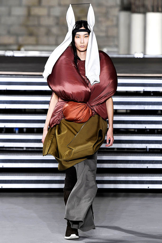 Rick Owens Paris Womenswear Fall Winter 2017 Paris March 2017