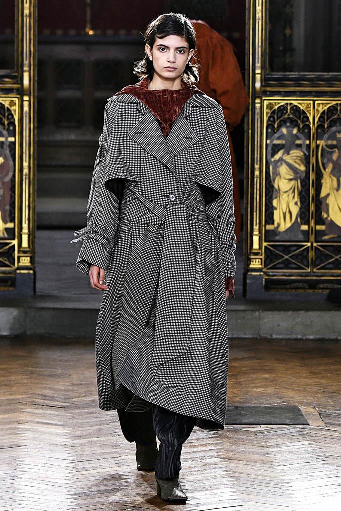 Sharon Wauchob London Womenswear Fall Winter 17 London February 2017