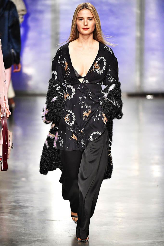 Topshop Unique London Womenswear Fall Winter 17 London February 2017