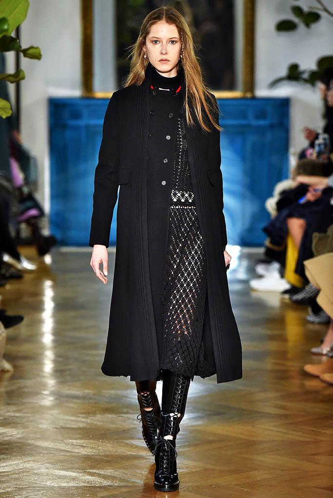 Valentino Paris Womenswear Fall Winter 2017 Paris March 2017