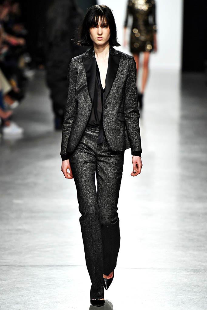 Valentin Yudashkin Paris Womenswear Fall Winter 2017  Paris March 2017