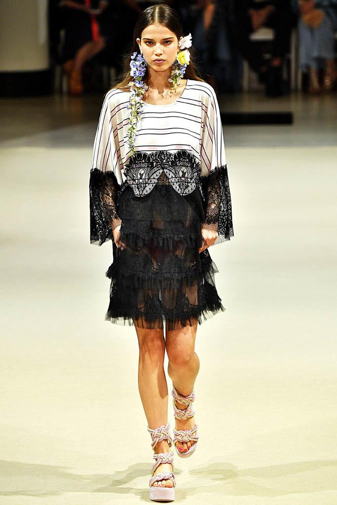 Alexis Mabille Paris Fashion Week Spring Summer 2018 Paris September/October 2017
