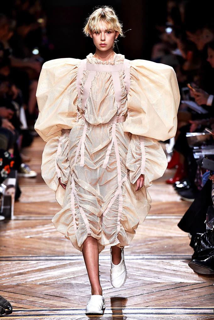 Anrealage Paris Fashion Week Spring Summer 2018 Paris September/October 2017