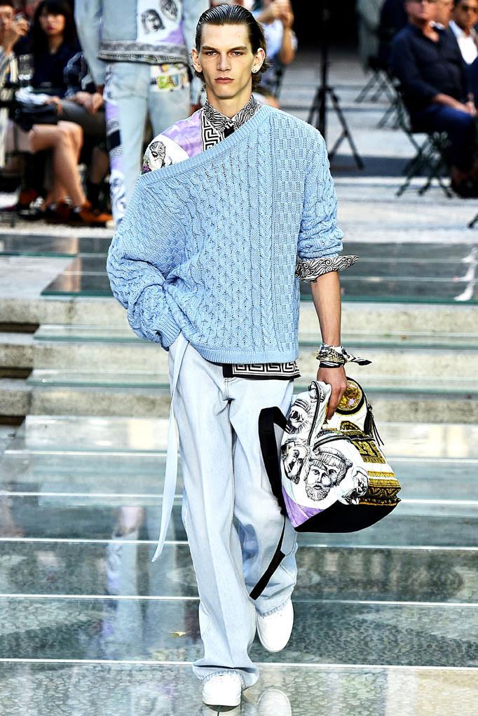 Versace Milan Menswear Spring Summer 2018 Milan  June 2017