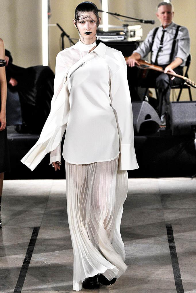 Yang Li Paris Fashion Week Spring Summer 2018 Paris Sept-Oct 2017